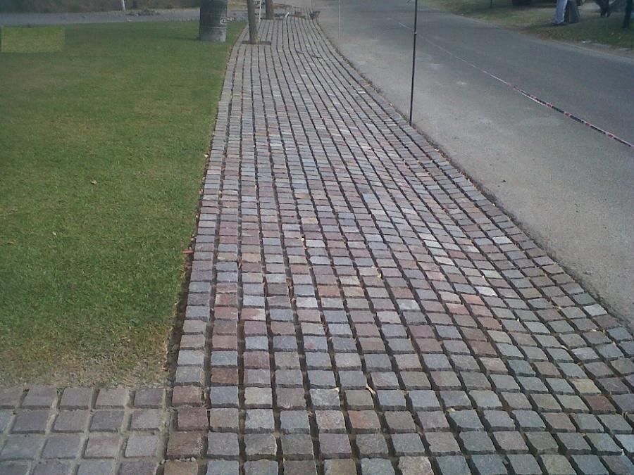 Precio adoquines de piedra sin imagen with precio - Adoquin de piedra ...